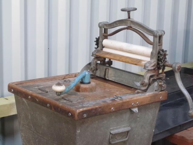 Refurbishing rubber rollers