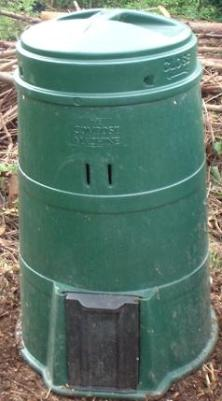 Large compost bin with hatch